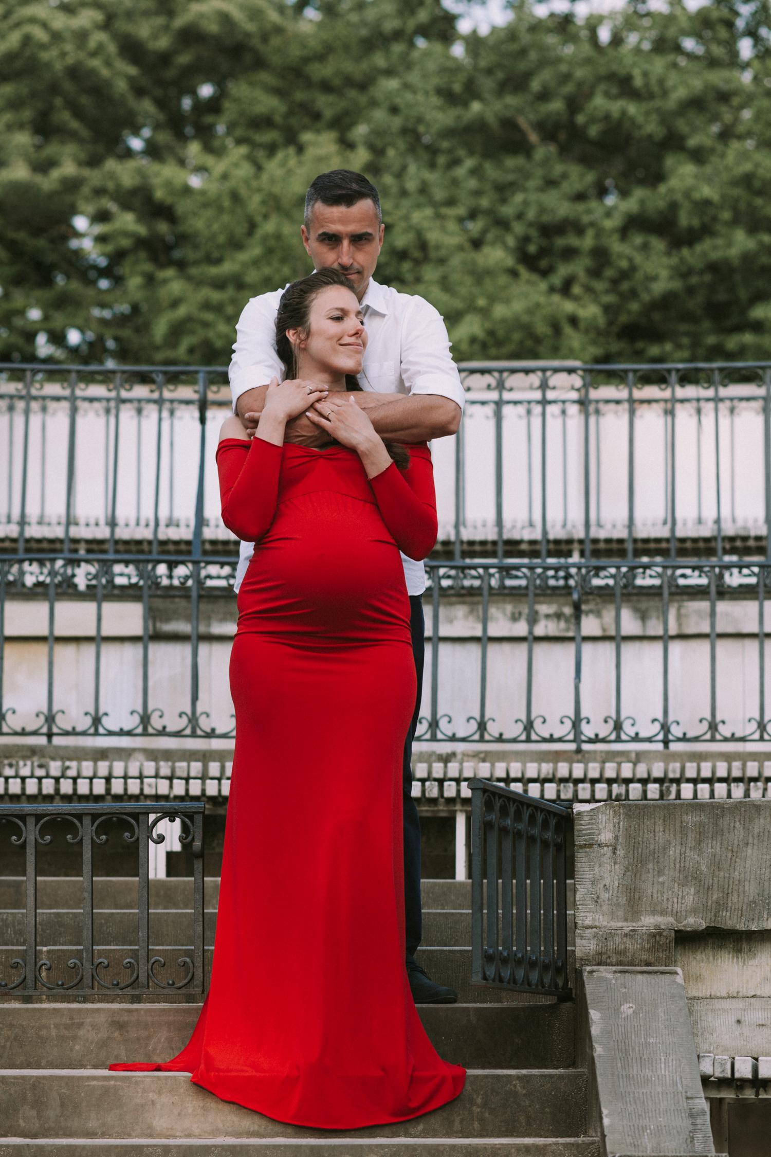 para w lazienkach królewskich na sesji ciążowej