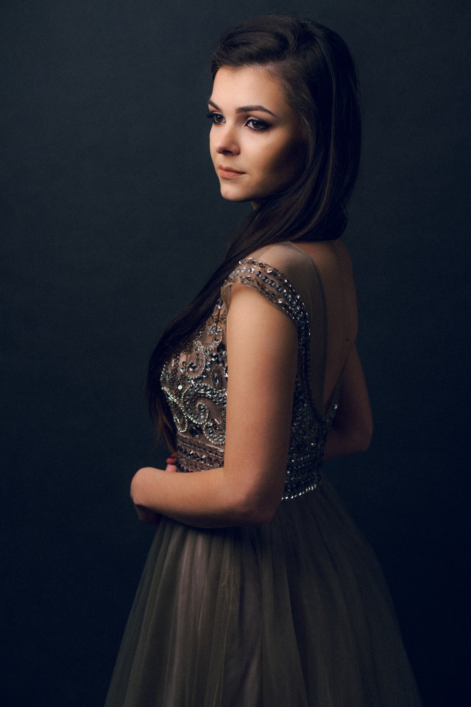 portret_nastolatki_w_sukience
