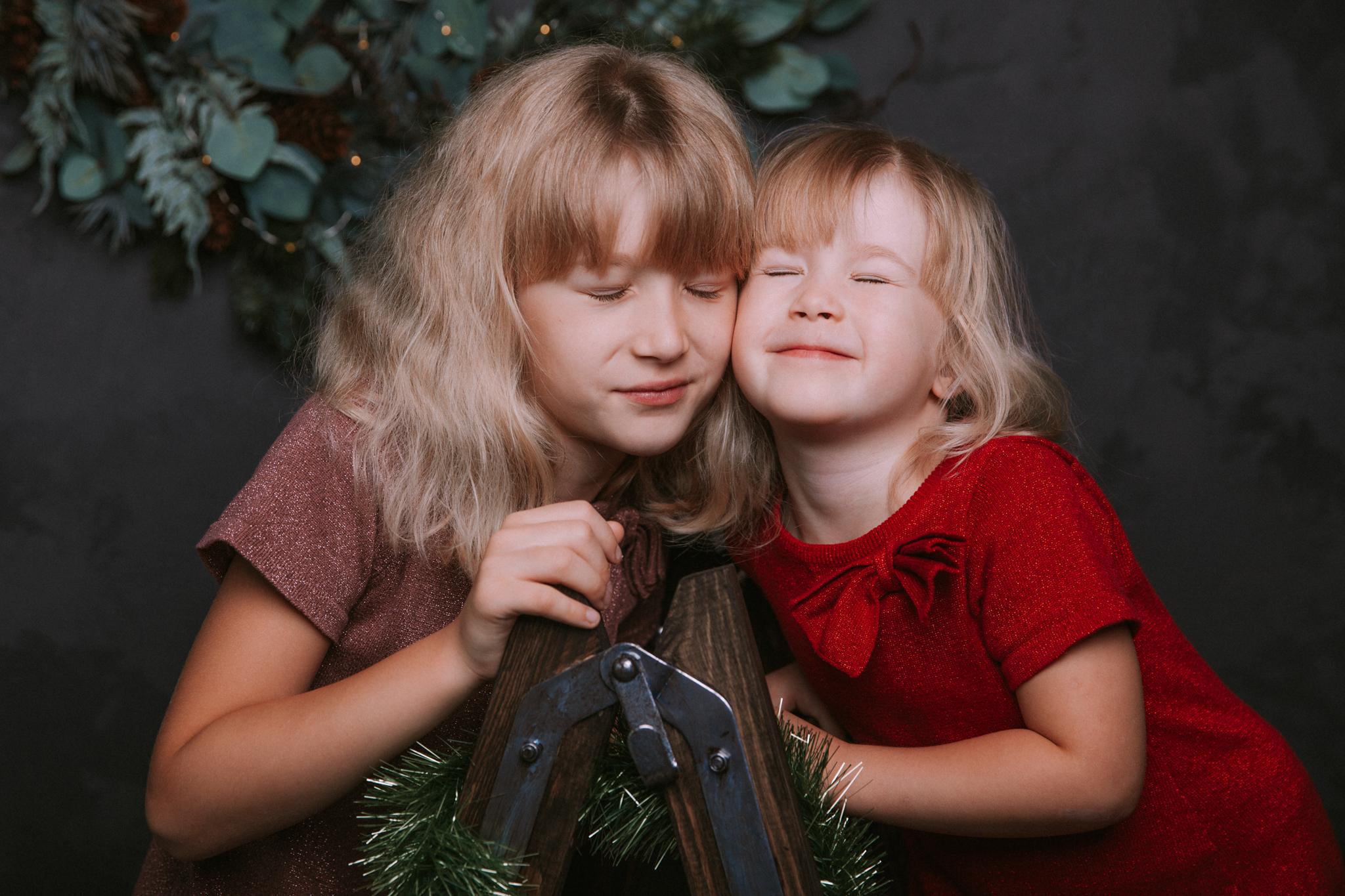 sesja boze narodzenie dwie siostry